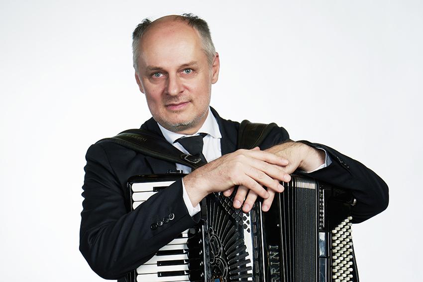 Влада Пановић