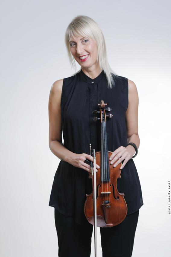 Александра Поповић
